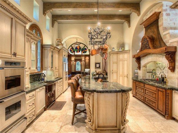 3 Belcourt Pl San Antonio, Texas 78257 United States. Binkan Cinaroglu. #KSIR #realestate #ceilings #luxury #kitchen