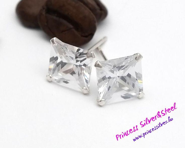 8 mm-s cirkónia kristályos ezüst fülbevaló