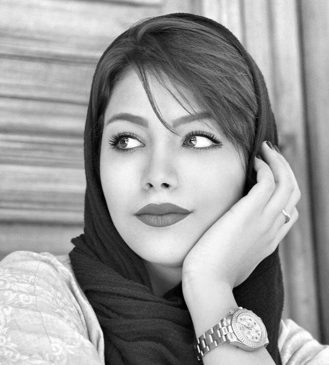 Iranian bare women — photo 8