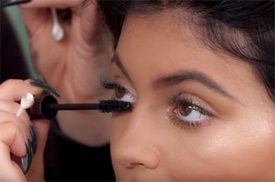 The Mascara Trick Kylie Jenner's Makeup Artist Uses for Bigger Eyes | allure.com