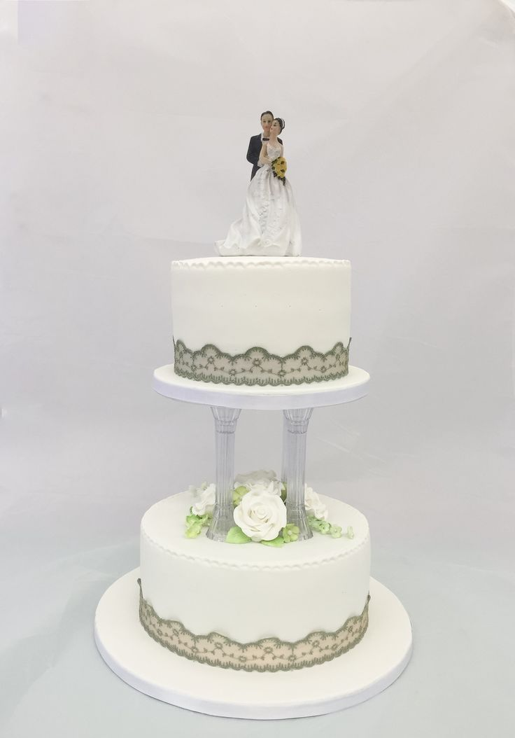 wedding cake top tier tradition 56 best fondant iced wedding cakes images on 26676