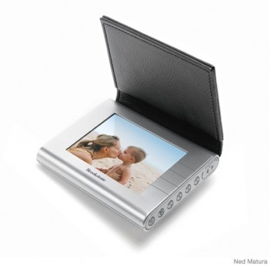 electronic photo album! (Gifts for New Moms – New Mom Gift Ideas - Parenting.com)