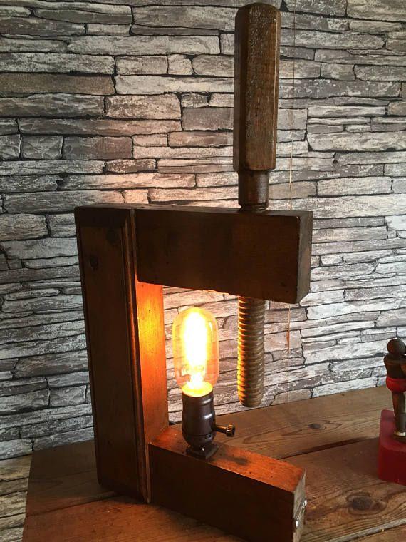 Voici Une Des Creations De Lampesoriginales Com Le Serre Joint En Bois De Menuisier Industriel A Poser Attention Il Peut Blue Lamp Shade Lamp Small Table Lamp