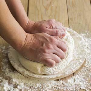 Pâte à pain à la main