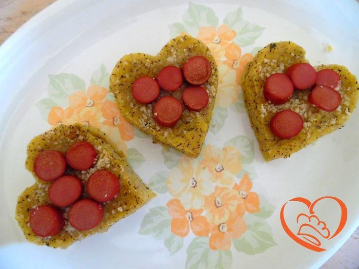 Cuori di polenta e semolino con wurstel http://www.cuocaperpassione.it/ricetta/39301f4c-9f72-6375-b10c-ff0000780917/Cuori_di_polenta_e_semolino_con_wurstel