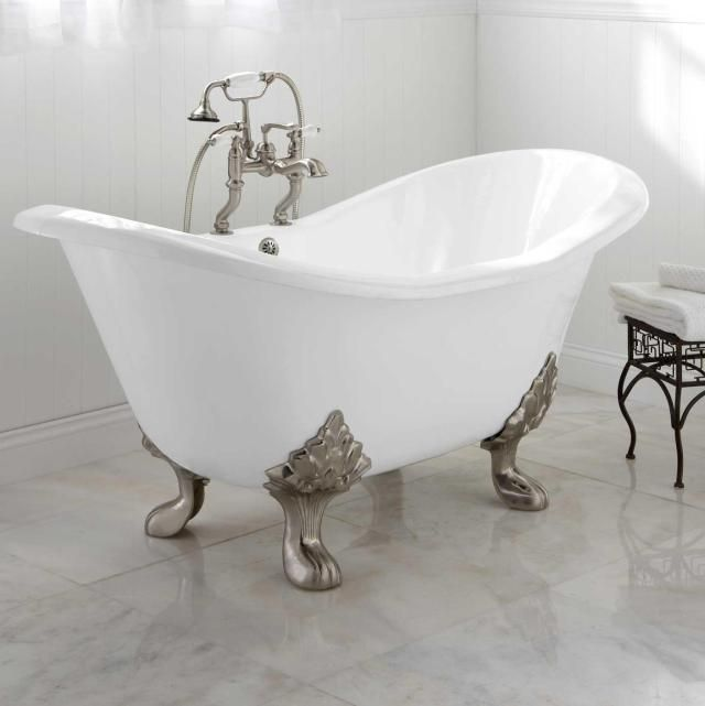 25 best ideas about clawfoot tubs on pinterest clawfoot for Clawfoot tub small bathroom