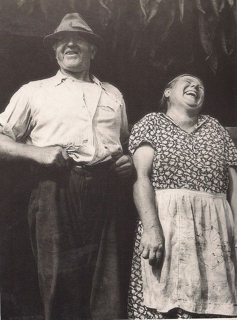 +~+~ Vintage Photograph ~+~+  Belly laughter by Dorothea Lange 1935
