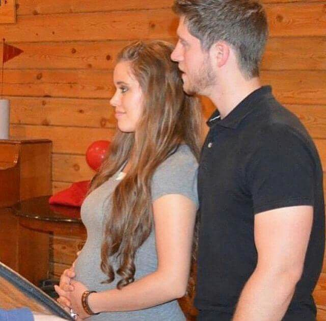 Ben and Jessa (Duggar) Seewald & baby bump. #Duggars #Seewalds #19KidsAndCounting