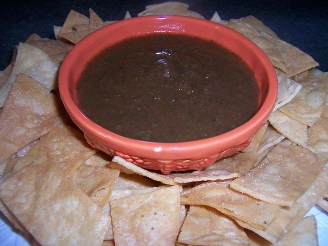 Chips And Salsa, Mexican Style, so so so easy and good.