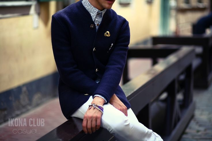 #STREET #FASHION #CASUAL #STYLE #BLOG #ACCESSORIES #DETAILS  #BLAZER #SHIRT #BUTTONS #PEN #BROOCH #BANGLE