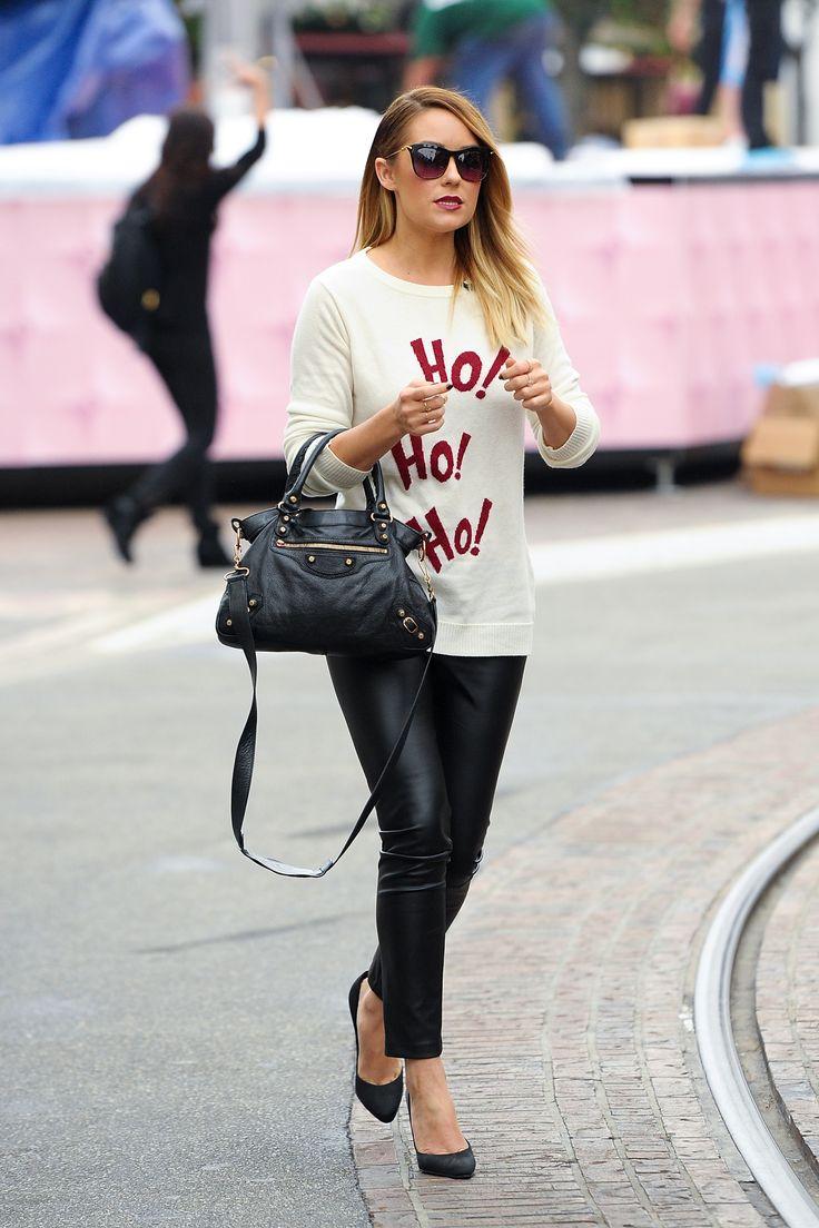 La bionda californiana, però, non rinuncia anche al pantalone di pelle per darsi una sferzata in chiave rock. Un'appassionata di moda sa destreggiarsi tra gli stili senza perdere un colpo.  -cosmopolitan.it