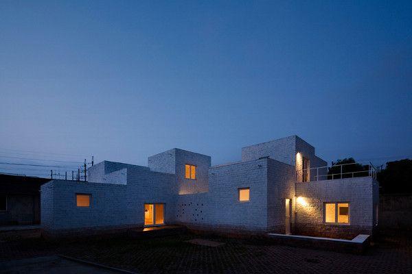 Minus K House by Kuu Architecture: Contemporary Home, Building, Home Interiors, Brick, Architecture Interiors, Kuu Architecture, House, Modern Home, Art Deco