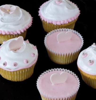 Heavenly meringue-frosted vanilla cupcakes