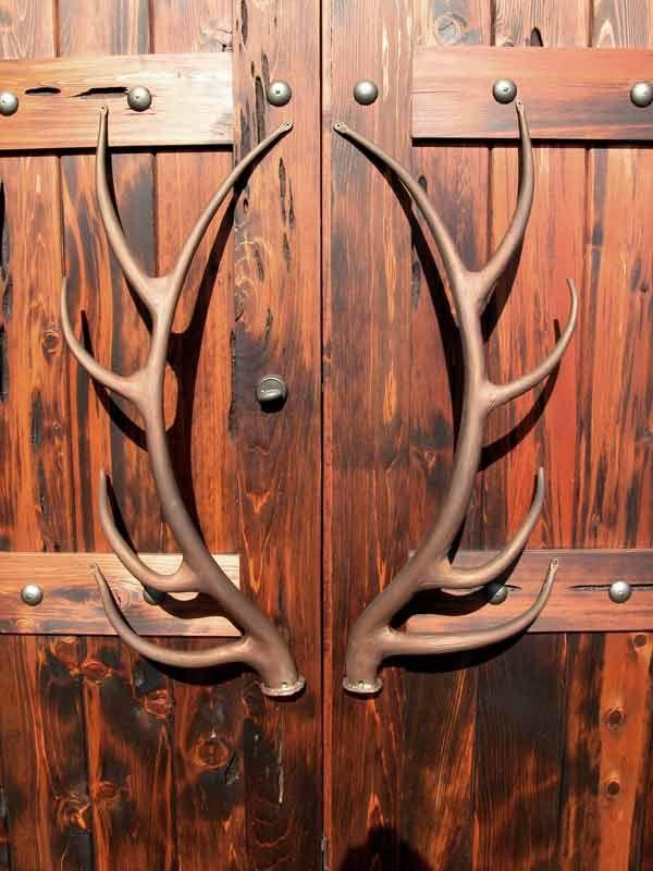 Iron Antlers: Doors Hardware, The Doors, Doors Pulled, Doors Handles, Deer Antlers, Hunting Cabin, Front Doors, Barns Doors, Man Caves
