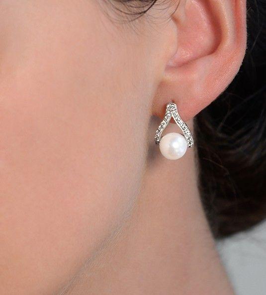 c4e83969c0b8 Los pendientes de perlas y diamantes ÍNDICO están fabricados en oro de 18  quilates