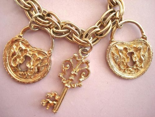 Vintage 60's 70s bedel armband grote hart sleutel bedels verkopers.marktplaats.nl/7443487