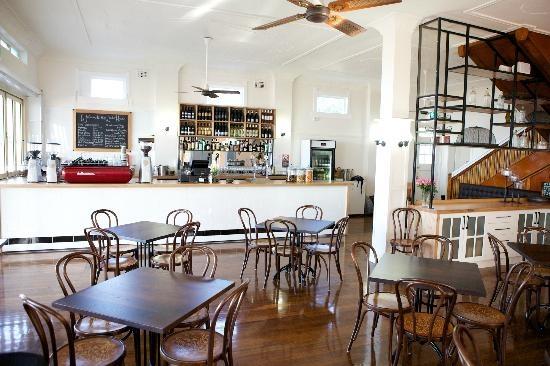 The Entrance Lake House Cafe