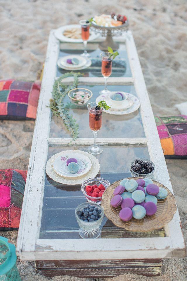 Boho beach picnic / florals & styling: bellalillystudio.com / photo: 1313photography.com