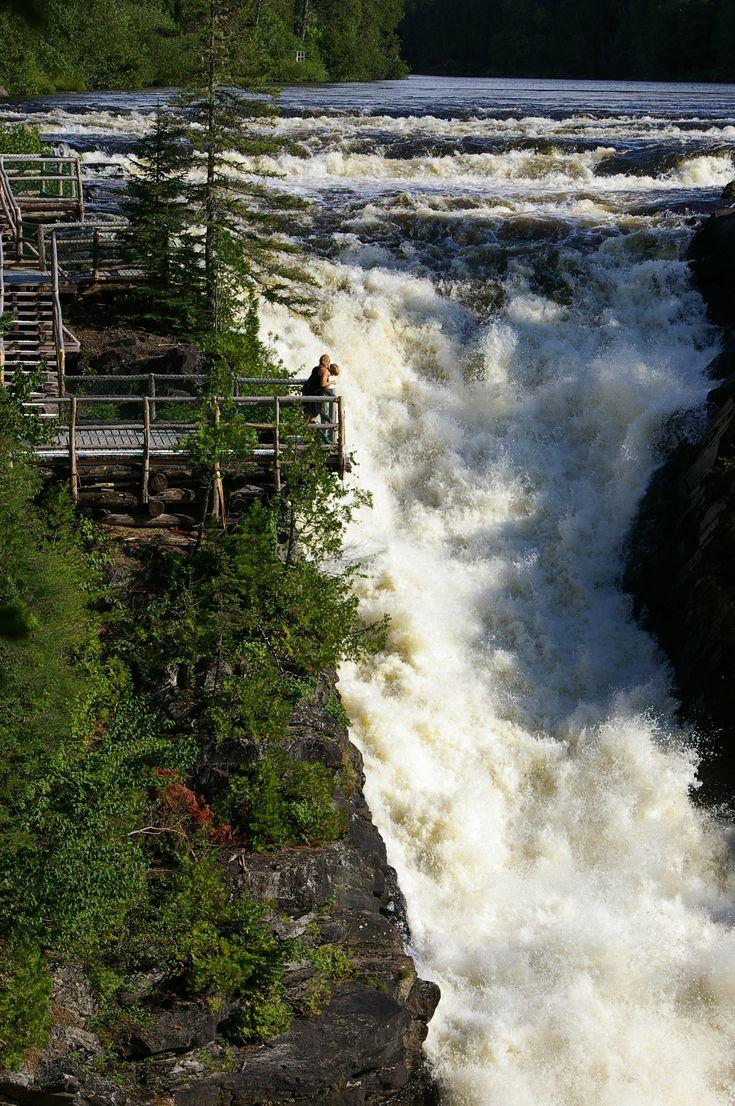 La chute du Grand Sault au Canyon des portes de l'Enfer près de Rimouski, Québec