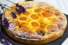 Un pot de fromage blanc au frigo, quelques abricots dans la corbeille à fruits, de la pâte sablée au congélateur... Et voilà, j'ai de quoi faire une jolie tarte....Et si j'y ajoutais de la lavande ... juste un petit peu... pourquoi pas..... Pâte sablée...
