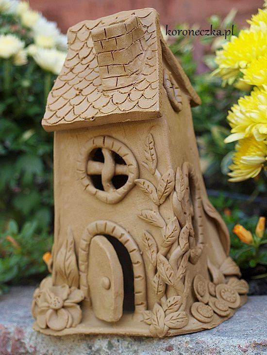 Jak powstaje dom z gliny? #Ceramiczny_domek     http://koroneczka.pl/  #ceramika #ceramics #ceramics_houses