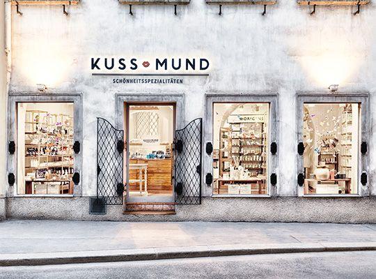 Kuss-Mund---Fassade-1427-FIN