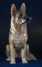 BESWICK LARGE GERMAN SHEPHERD FIRESIDE MODEL 2410 DESIGNED BY GRAHAM TONGUE