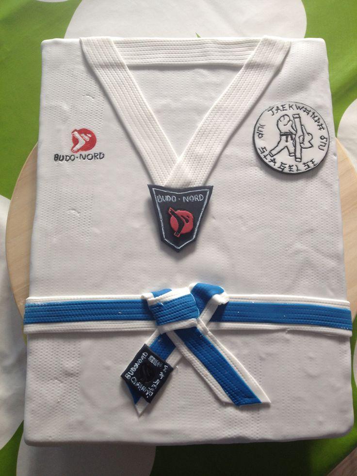 Taekwondo cake fondant