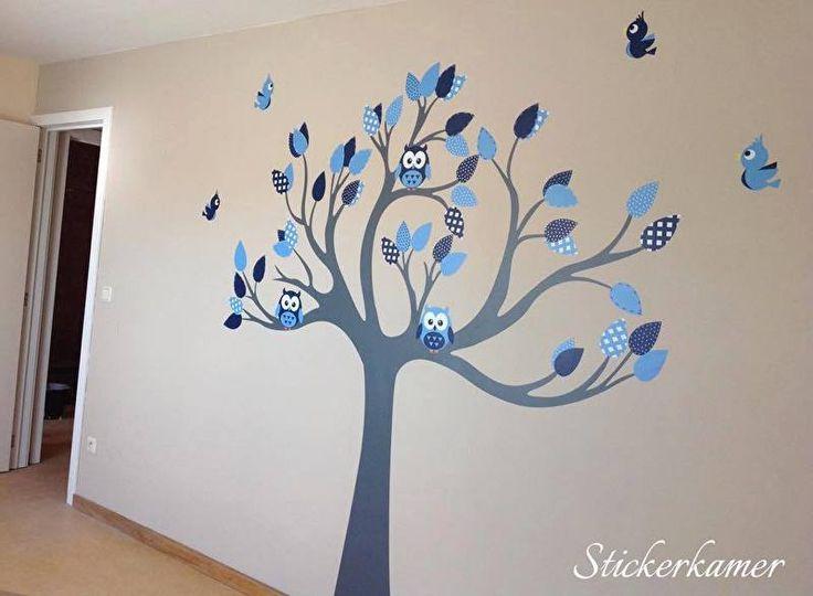 Muursticker boom op maat gemaakt met uilen en vogels voor in de jongenskamer. Stel je eigen muursticker boom samen op: http://stickerkamer.smartcustomizer.com/