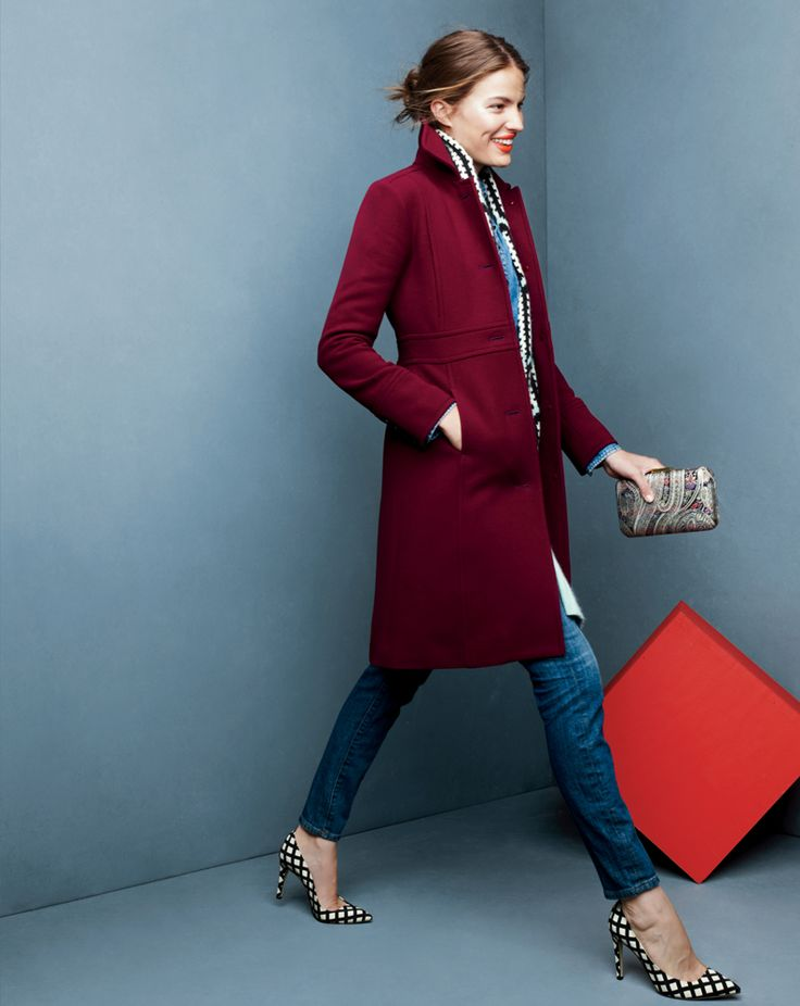 Double-cloth Lady day with Thinsulate® coat, toothpick jean in lewiston wash and the metallic paisley jacquard Minaudiére