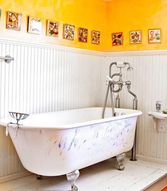 Туалет в цветах: желтый, серый, светло-серый, бежевый. Туалет в стиле кантри.