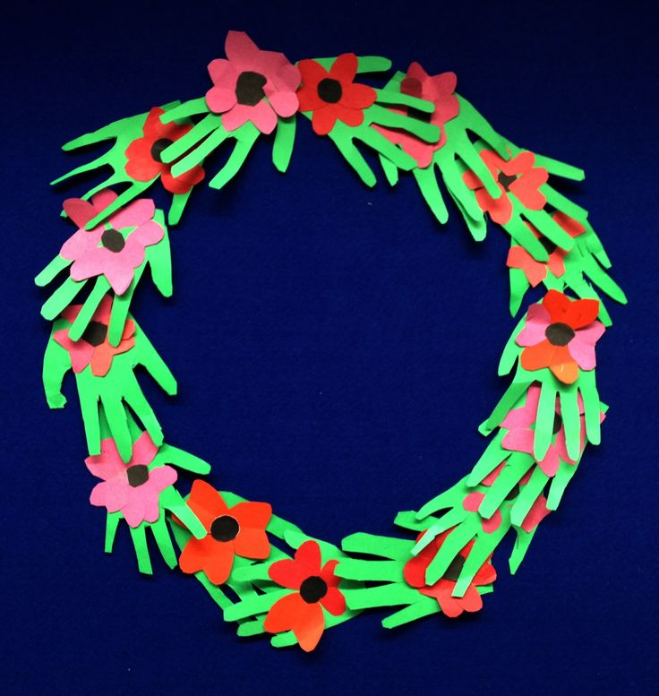 """""""We hold the memory the love and hope""""  Remembrance day wreath children aged 6"""