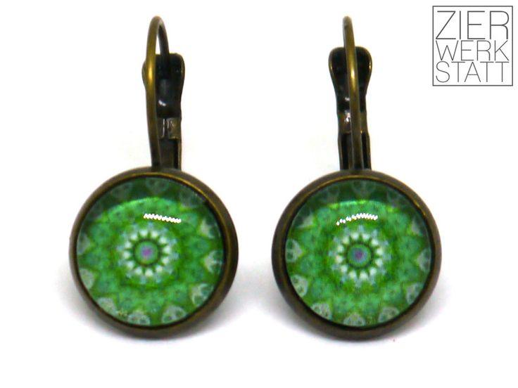 Ohrringe - Grüne Ohrringe mit Mandala-Muster, 12 mm - ein Designerstück von Zierwerkstatt bei DaWanda