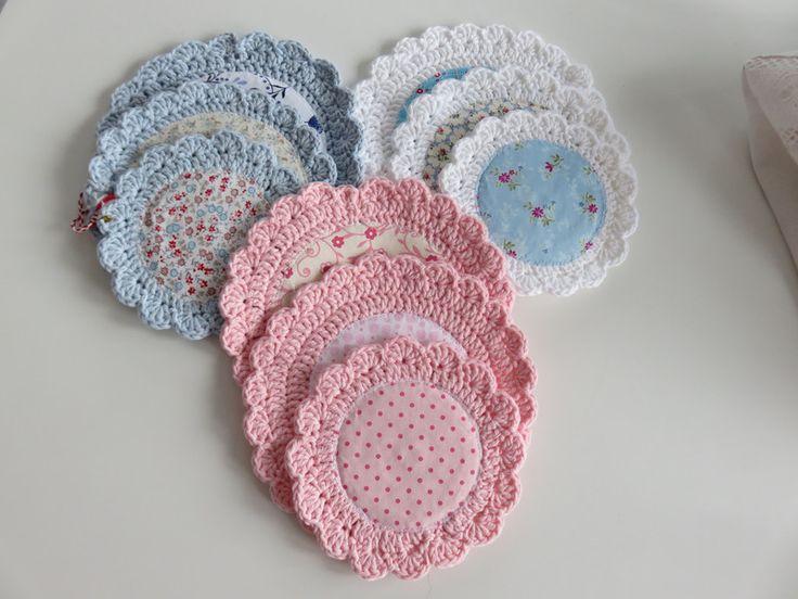 Häkeldeckchen - Häkeldeckchen genäht Set romantisch weiß rosa blau - ein Designerstück von Kreativbluemchen bei DaWanda