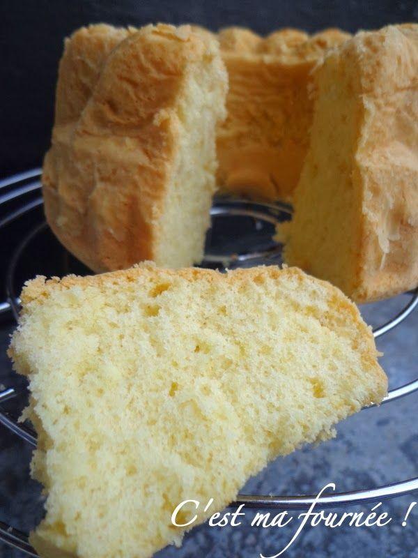 Le bouscoutou tunisien (gâteau léger léger à la fleur d'oranger)