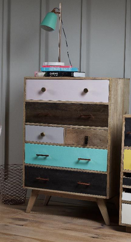 Take the lead and style up your space with out January Six Chest of Drawers.