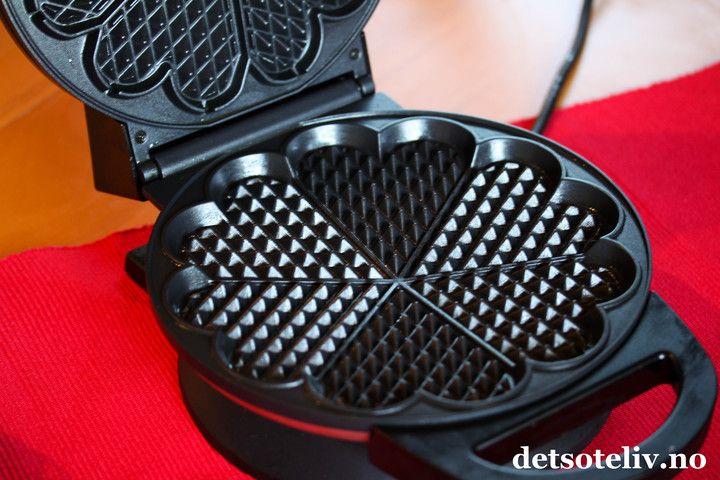 Norwegian waffle iron