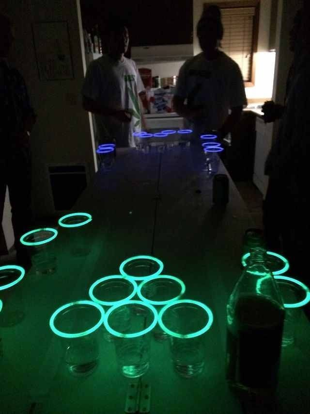 Bachelorette 2019 Stick Ideas Glow sticks on the rim of cups for glow in the dark beer pong