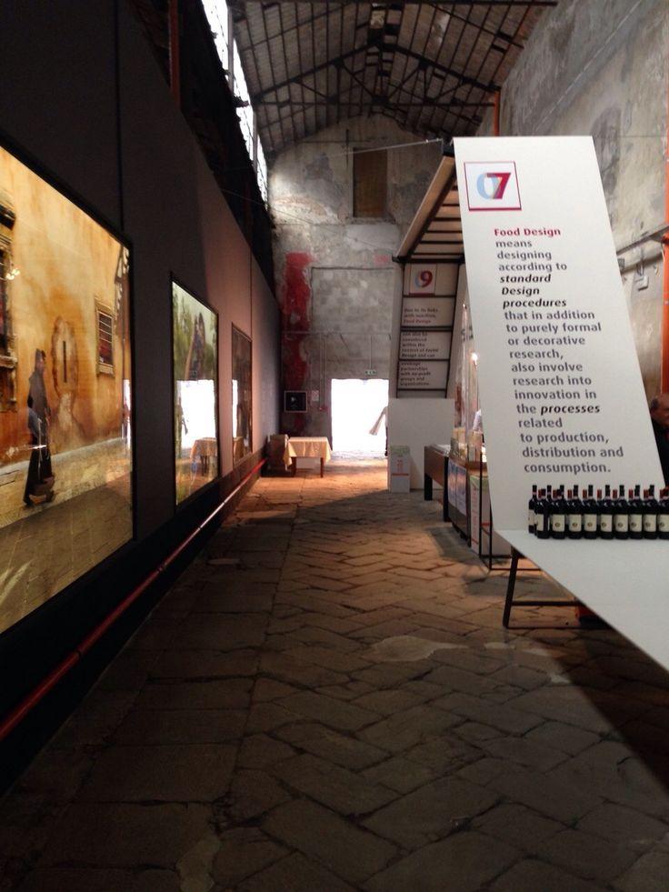 @design; @Expo2015Milano ; - allestimento minimal dell'opening - Umbria Experience - linee protagoniste nel gioco pieno/vuoto. Quando la semplicità diventa classe...