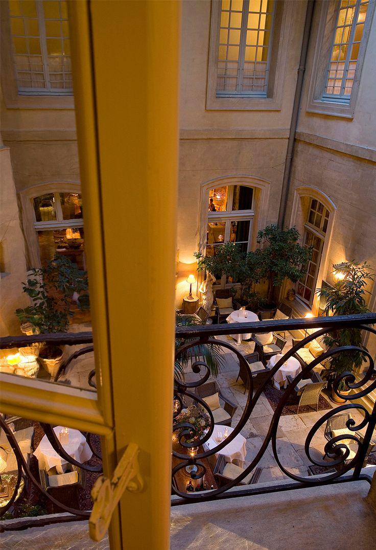 La mirande avignon hotels restaurants clubs bars - Restaurant la mirande avignon ...