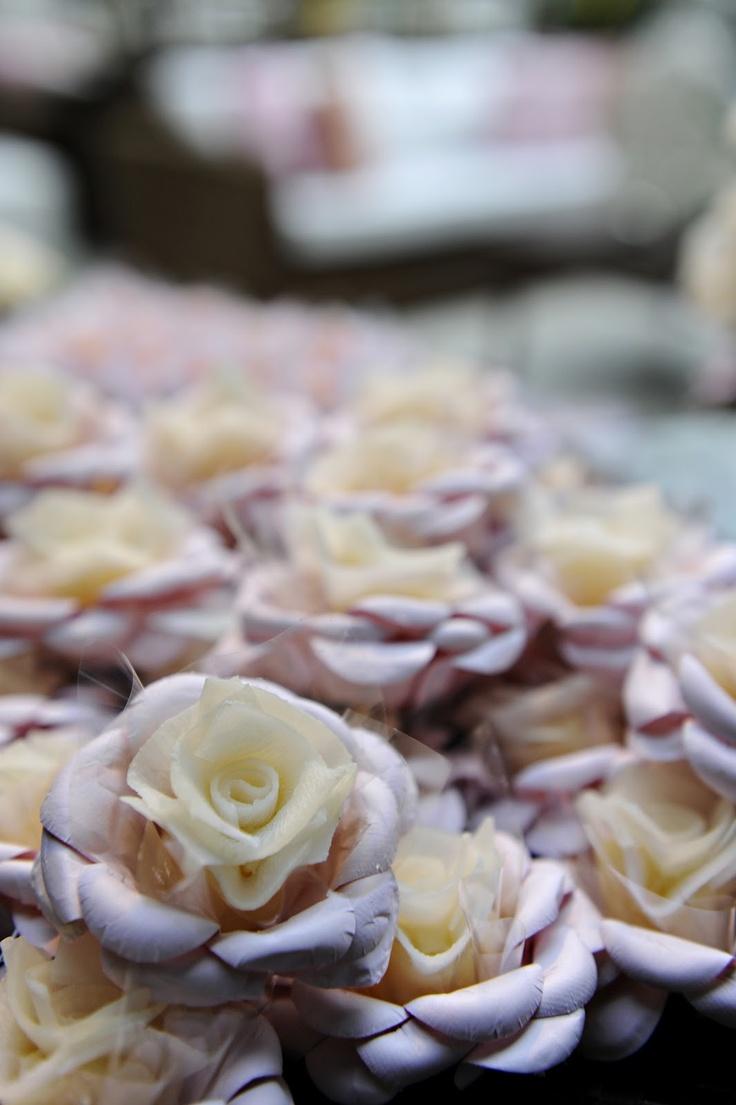 Flor de Coco - uma deliciosa cocada caseira com um formato lindo! As lâminas de coco podem ser no tom da decoração