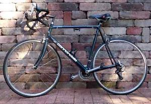 Cannondale-R500-2-8-aluminum-60cm-700C-Blue-Green-Men-Road-Bike.  Note the size and style.  60cm - 700c.  Curved handlebars with shifters mounted on the curve.