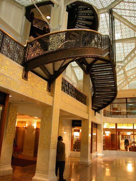 Фрэнк Ллойд Райт (Frank Lloyd Wright): Rookery Building, Chicago, Illinois (Здание Rookery, интерьер), 1905—1907; перестроен