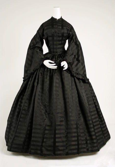 Траурное платье