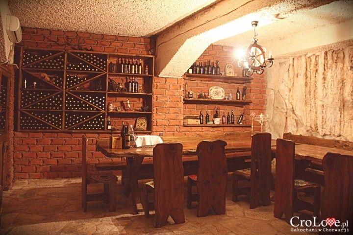 Pomieszczenie do degustacji wina dla VIPów w piwnicy Matuško w Potomje || http://crolove.pl/winiarnia-matusko-w-potomje-na-polwyspie-peljesac/ || #wine #winery #matushko #croatia #chorwacja #kroatien #hrvatska