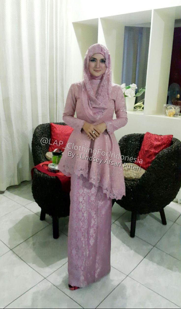 Lindsey Afsari Puteri while wearing her own design... #Peplum #Tunik #Kebaya #Kerudung #Hijab #Kain #LongSkirt #LongSleeve #Asimetris #Fashion #Jacquard #Lace #Songket #Sumatera #Indonesia