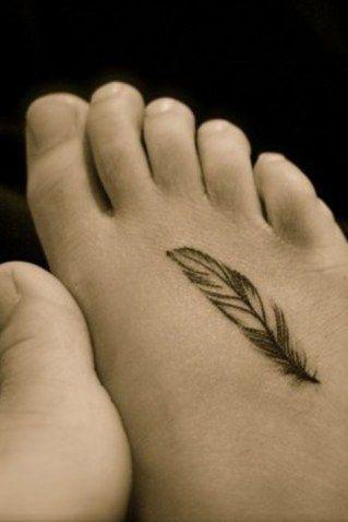 50 tatouages de plumes tout en d licatesse tatouage - Signification plume tatouage ...