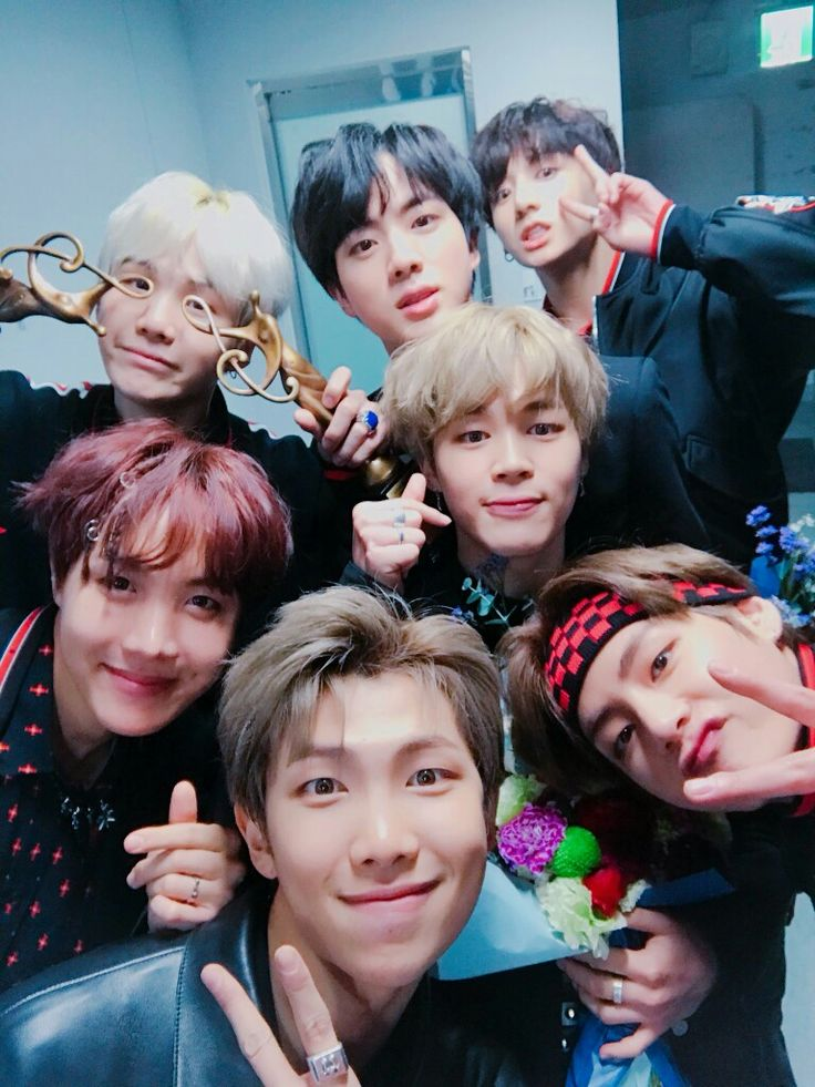 KIM NAMJOON KIM SEOKJIN MIN YOONGI (wtf are you doing? still love you) JUNG HOSEOK PARK JIMIN KIM TAEHYUNG  JEON JUNGKOOK BTS ARMY