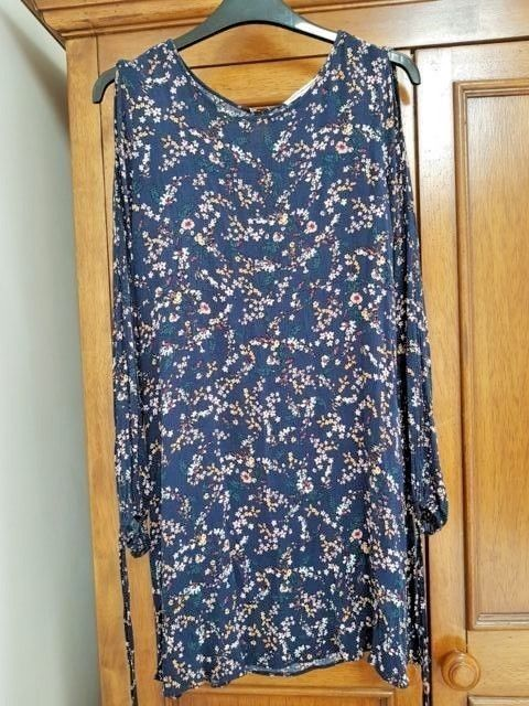 3b20f787288e AMERICAN EAGLE OUTFITTERS DRESS SIZE S (34