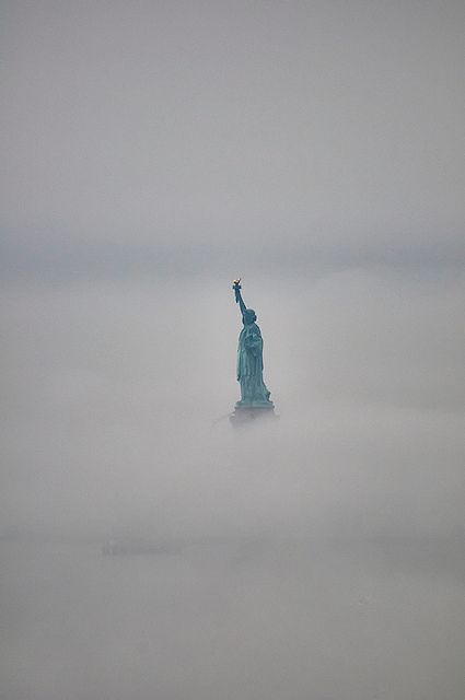Heavy fog around statue of liberty - Imgur